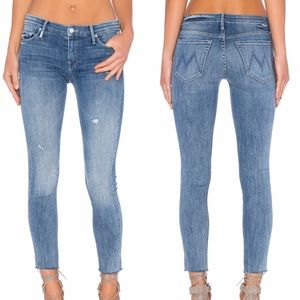 MOTHER DENIM Looker Ankle Fray in Double Time